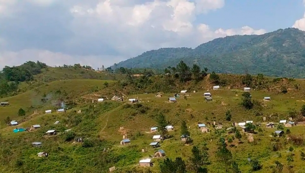 Manipur village builds 80 huts with to quarantine returnees
